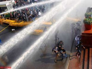 police-use-teargas-water-cannons-to-against-protesters